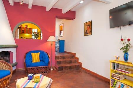 La Puerta Rosada- A Mexican Home! - San Miguel de Allende - House