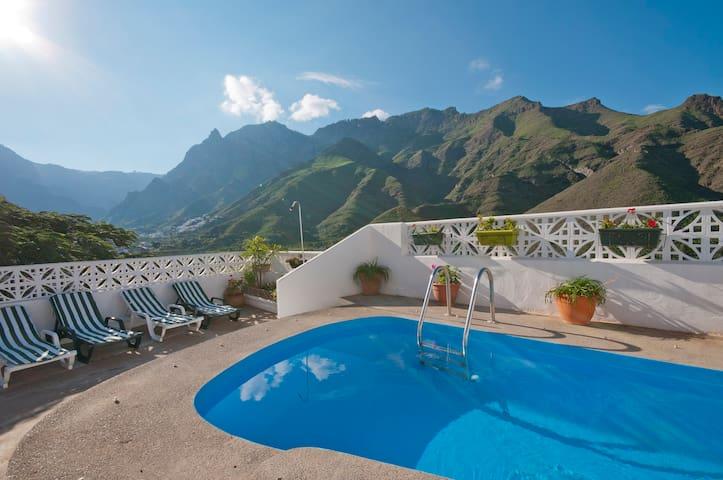 Ferienhaus mit privater Pool in Agaete (GC0364)