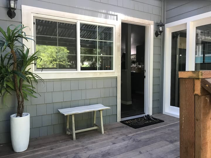 Cozy Guerneville Bungalow-close to downtown