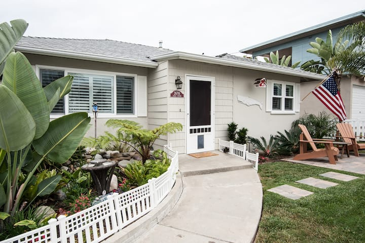 Betty's Beach Bungalow Family &  Pet Friendly!