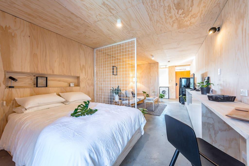 studio || bedroom space + study + living