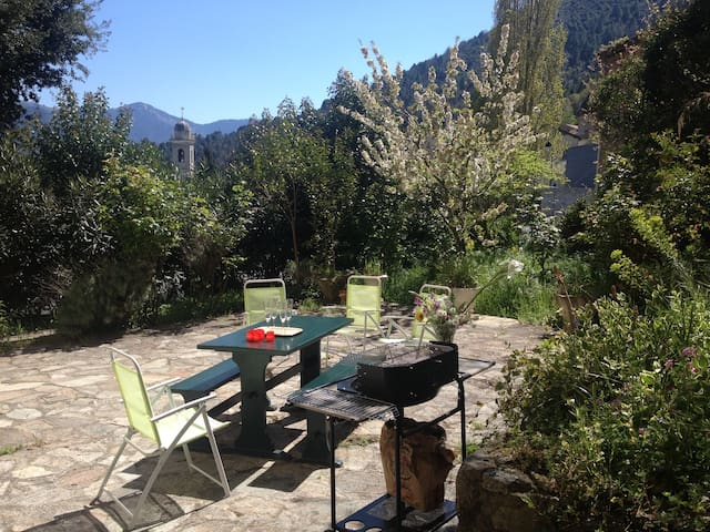 Corte charming flat with garden