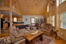 COTTONTAIL CREEK close 2 skiing*hottub*fireplace*