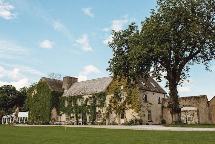 Countryside Group Getaway at Cloughjordan House!