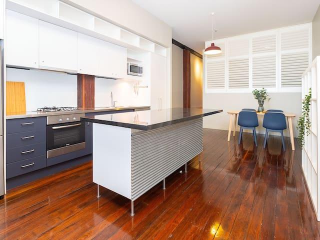 Stunning Woolstore Apartment in Heart of Brisbane