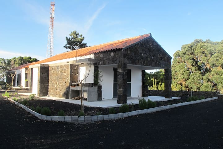 "VILLA 4SEASONS - ""SPRING and AUTUMN HOUSES"" - S.Roque do Pico - บ้าน"