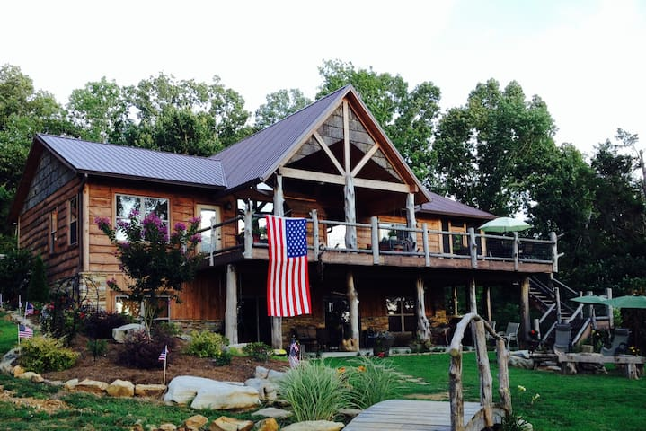 Lake Shore Cabin-sleeps 6