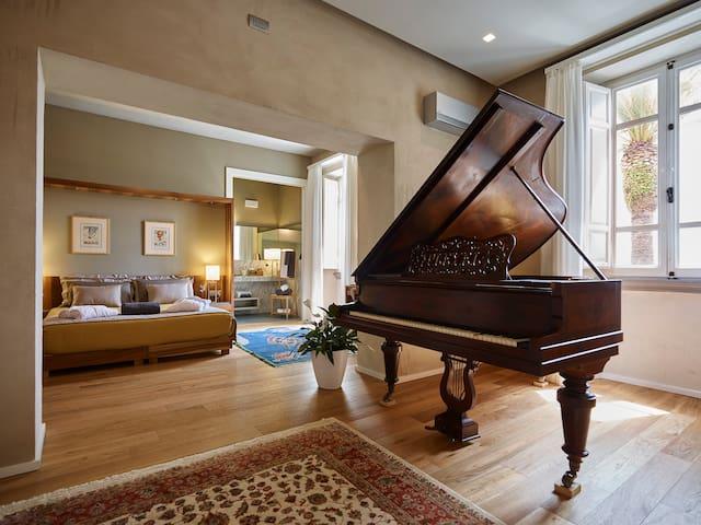 Relais & WInery Montepepe. Executive Suite Pleyel - Montignoso