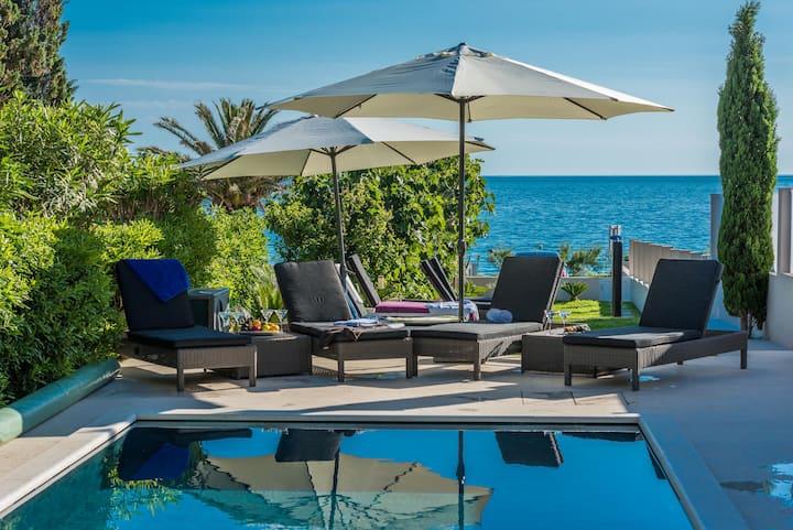 Villa Maelise beach front luxury penthouse