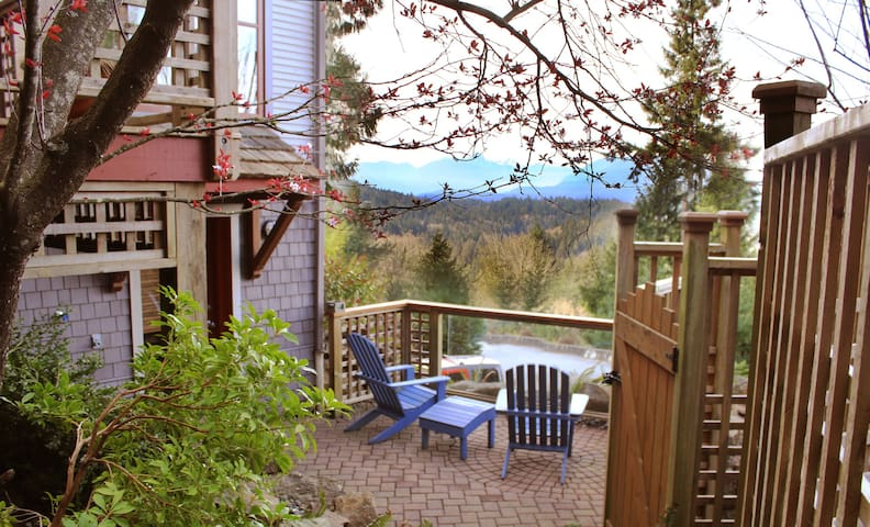 Luxury guest suite near the cove - Bowen Island - Huis