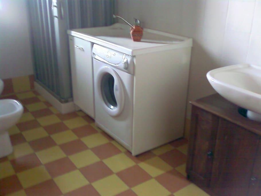bagno-doccia-lavatrice