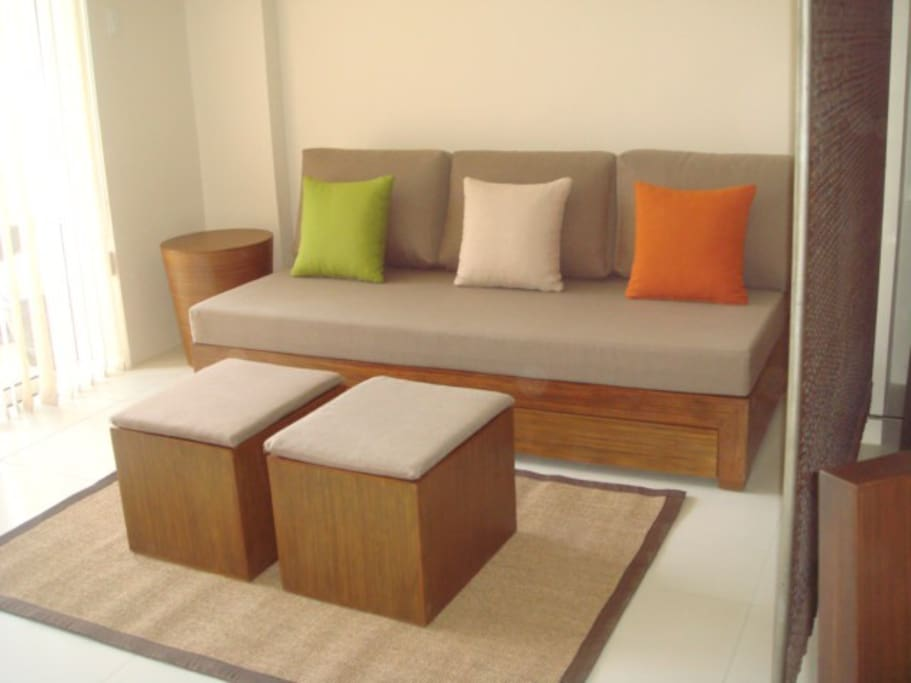 Sofa w/ 2 Pull-out sleepers