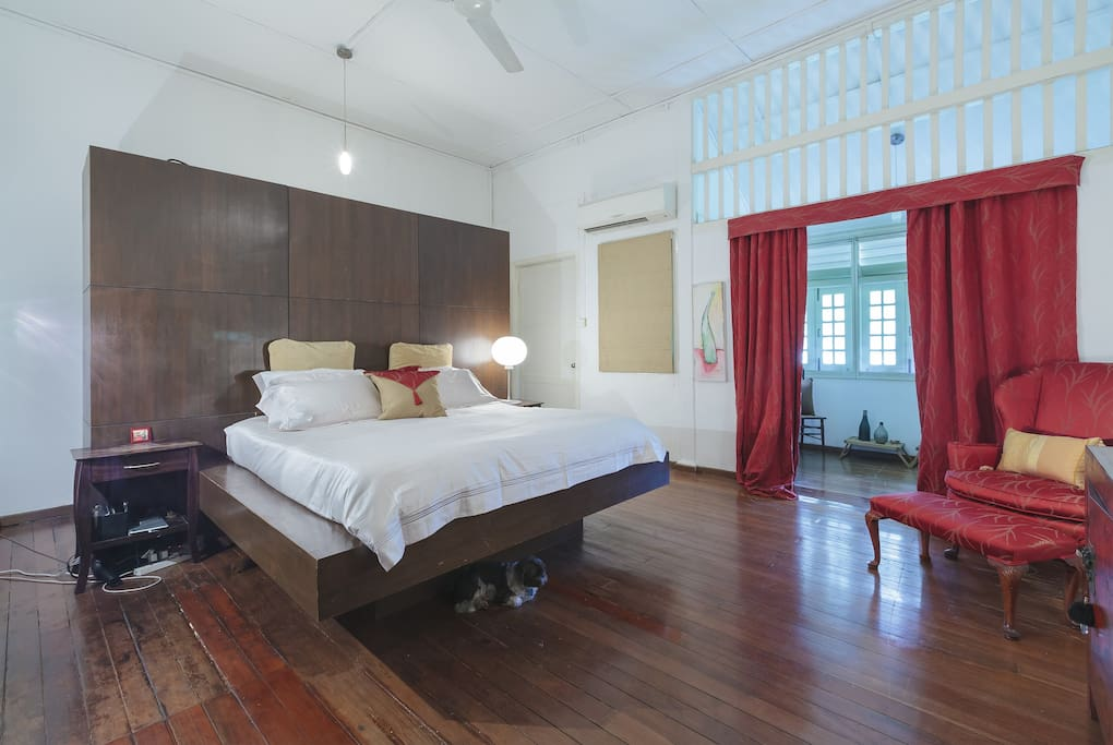 Master Bedroom In The Heart Of Singapore Townhouses For Rent In Singapore Singapore