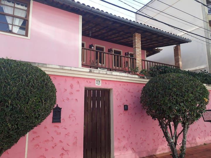 """Alma de Minas (""""Pink House"""" do Saber)"""