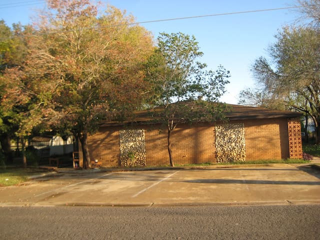 Eagle Ford Shale apartments - Dilley - Apartamento