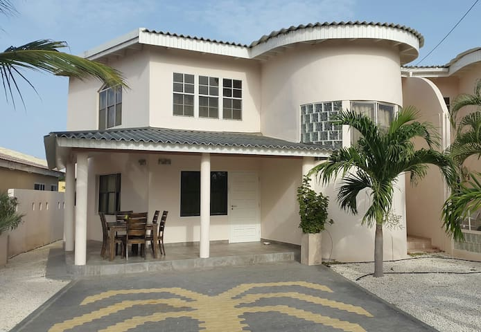 CASA BINI, 2-bedr.home/close2beach