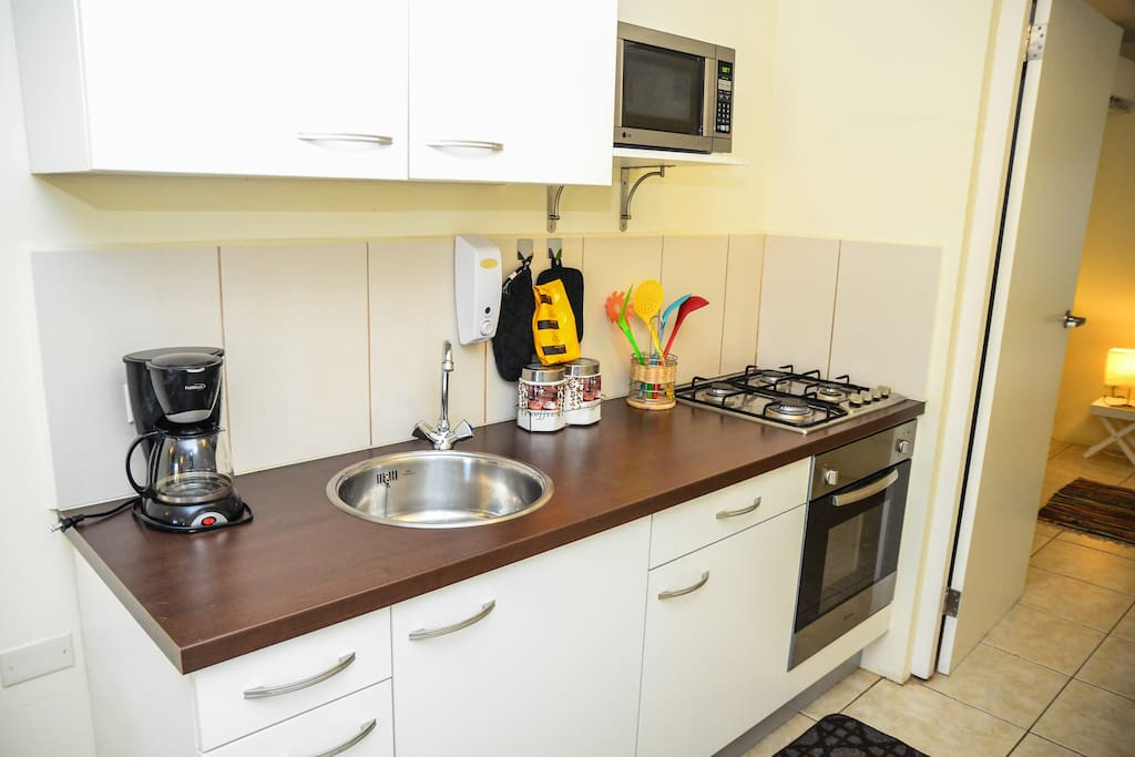 3Bedroom with fully kitchen.