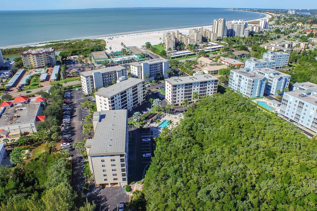 Arial view to show proximity of unit to the beach.