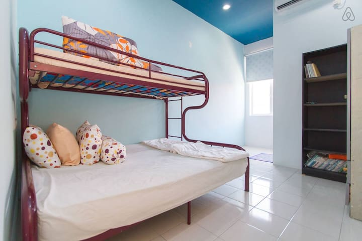 Your Blue Sky Cozy Room - Balik Pulau - House
