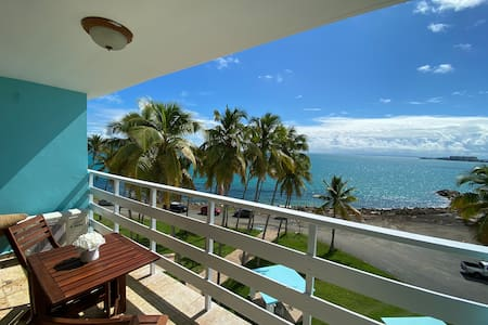 Stylish Oceanfront Getaway