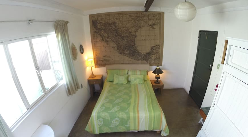 Travellers master bedroom! MandaINN - Oaxaca - Apartament