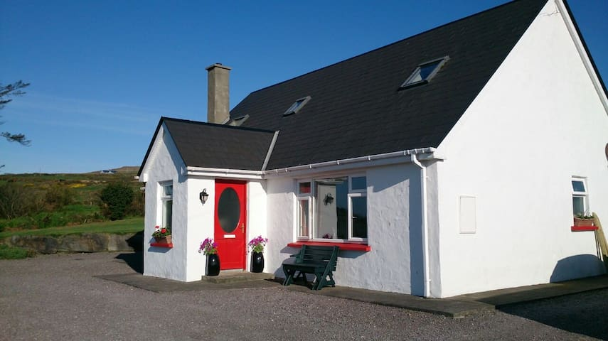 The Lotts B&B On Tranquil Valentia - Valentia Island - Bed & Breakfast