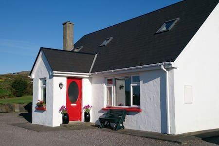 The Lotts B&B On Tranquil Valentia - Valentia Island