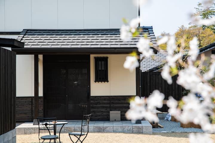 鈴)新築!4月オープン! 露天風呂付一軒家★金鱗湖や湯の坪街道から徒歩5分