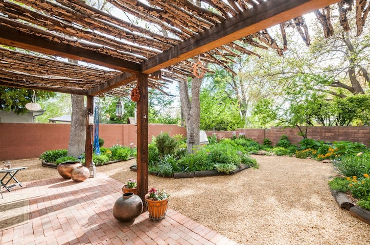 A Traditional and Lovely Adobe House&Garden.