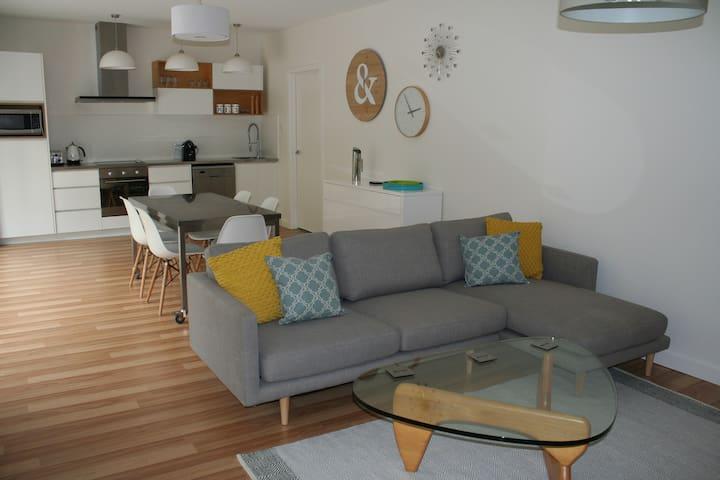 Apartment No 2 - Stylish 2 bedroom - Dynnyrne - Pis