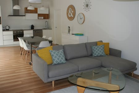 Apartment No 2 - Stylish 2 bedroom - Dynnyrne