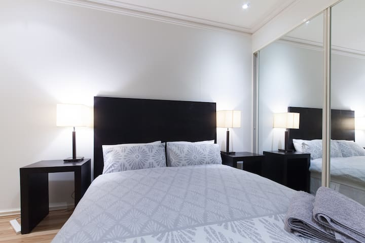 Perth City Apartment Free Parking! - Perth - Appartement
