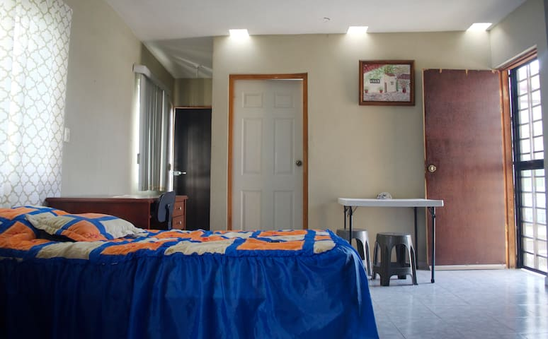 Private and independent room close to downtown!