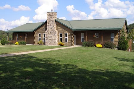 The Lodge @ White Buffalo Ranch - Sleeps 28 - Falcon - Ház