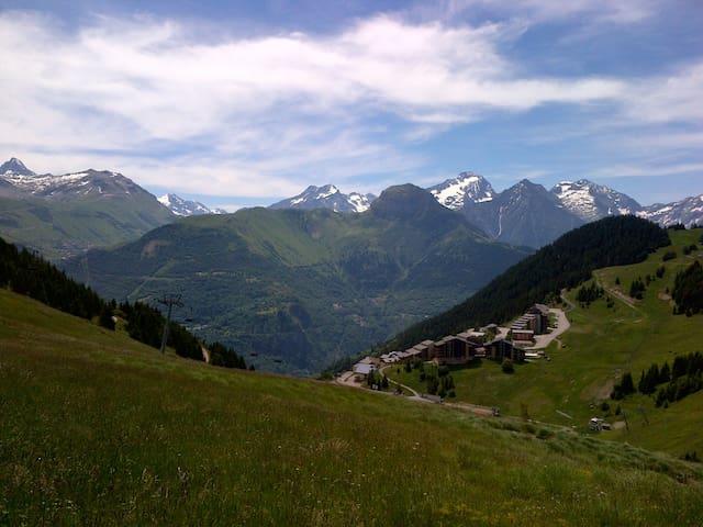 Studio Auris-Alpe d'Huez au pied des pistes