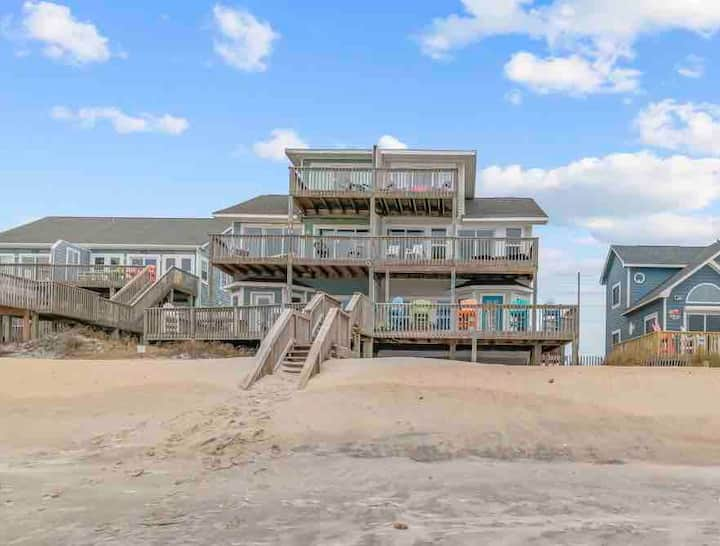 Work/Study in Paradise! 5BD / 3BA Beachfront Home