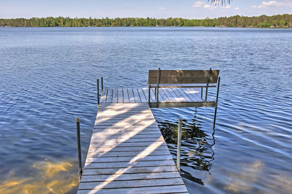 Enjoy swimming off the dock, championship golf courses, or head to Nisswa for some shopping and fun activities.