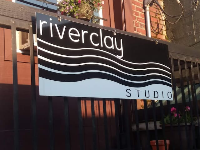 Riveclay Studio, enjoy downtown Mount Vernon.