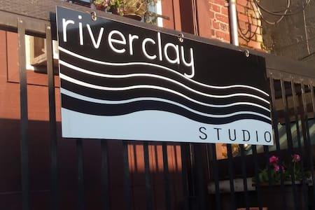 Riveclay Studio, enjoy downtown Mount Vernon.