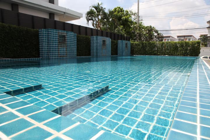 Cozy Condo near Airport and Shopping mall 3