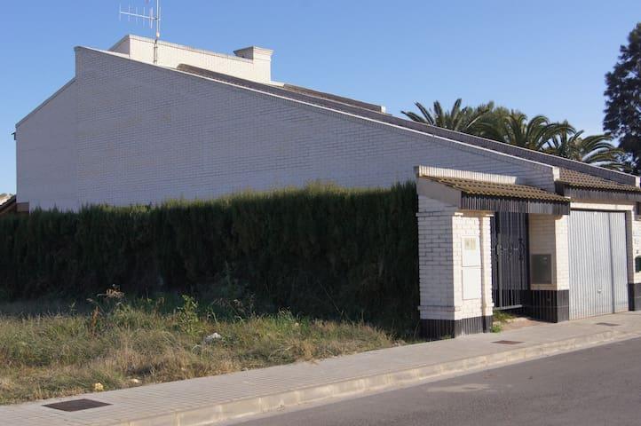 Yuca - Almardá - Casa