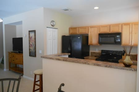 Great stay in Luxury Apartment close to everything - Riviera Beach - Haus