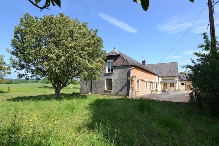 Vakantieferme in Noord Frankrijk - Aubenton - บ้าน