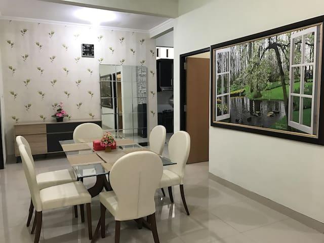 Nariska Suite Homestay Lampung, Lantai-1 dgn 2KT