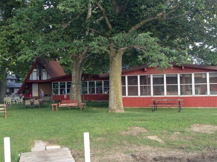 Elliott's Nest Cottages: 2 Cottages