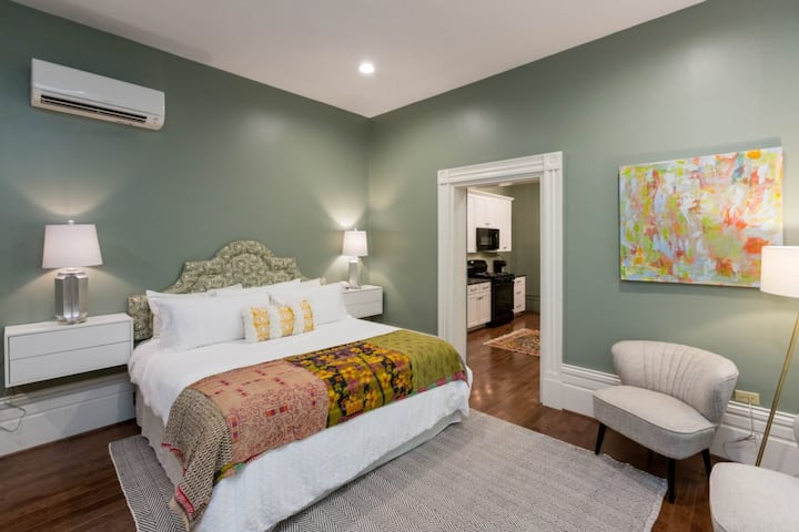 *NEW* ADA Apt in Historic House | Central Downtown