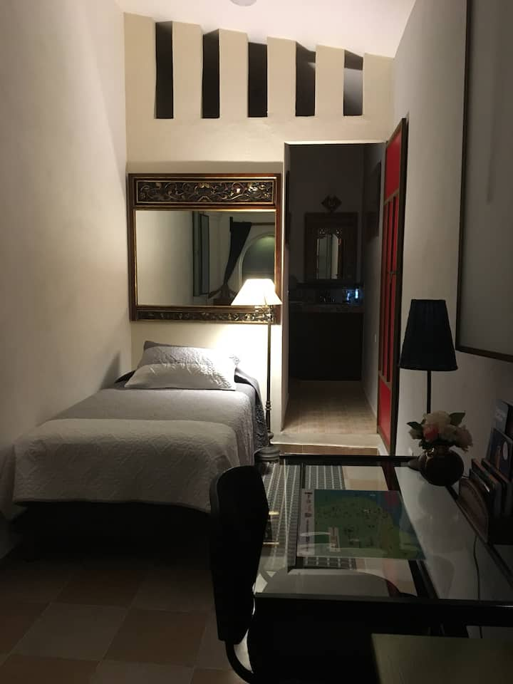 Casa Queta: Private Studio in Downtown Merida