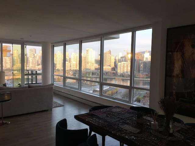 OV - Private bed+bath in Shared New Sub Penthouse