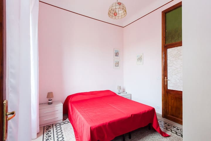 Double room with bath WiFi -Termini