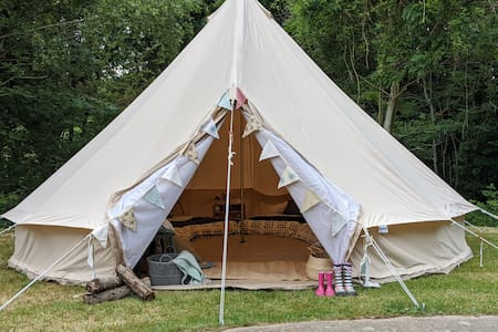 Bell Heath Country Glamping (Beech)